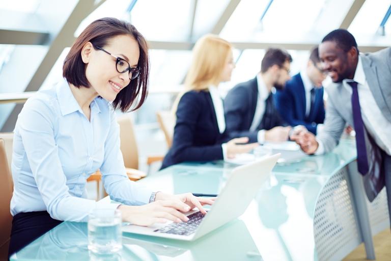 Recommandations pour faciliter la vie des femmes en préménopause au travail