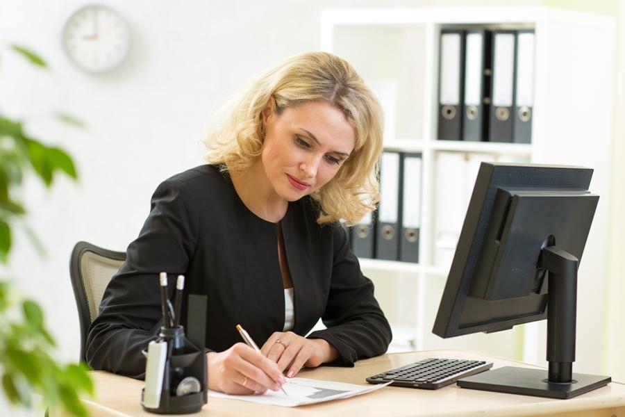 Reommandations pour adapter un environnement de travail aux femmes en préménopause.