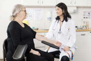 Préparer son rendez-vous avec un médecin pour aborder la ménopause